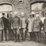 As Commander-in-Chief during the War of Liberation in 1918, with his closest associates Major-General Gösta Thesf and Major-General Hannes Ignatius and members of the Headquarters Advisory Committee: B.E Hildén, E.